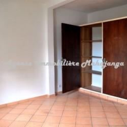Appartement-location-Mahajanga-ww.mahajanga-immobilier.com06-500x332-250x250.jpg