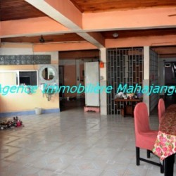 Location-grand-appartement-Mahajanga04-500x332-250x250.jpg