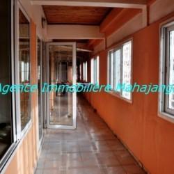 Location-grand-appartement-Mahajanga06-500x332-250x250.jpg