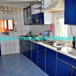 Location-grand-appartement-Mahajanga13-500x332-250x250.jpg
