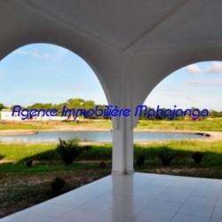 Location-villa-Mahajanga-www.mahajanga-immobilier.com05-500x332-250x250.jpg