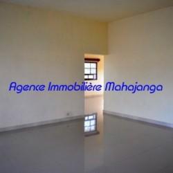 Location-villa-Mahajanga-www.mahajanga-immobilier.com06-500x332-250x250.jpg