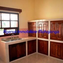 Location-villa-Mahajanga-www.mahajanga-immobilier.com09-500x332-250x250.jpg