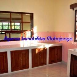 Location-villa-Mahajanga-www.mahajanga-immobilier.com10-500x332-250x250.jpg