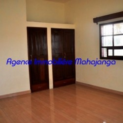 Location-villa-Mahajanga-www.mahajanga-immobilier.com12-500x332-250x250.jpg