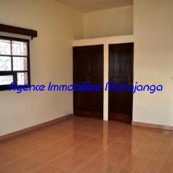 Location-villa-Mahajanga-www.mahajanga-immobilier.com13-500x332-250x250.jpg