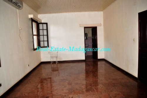 Rent-apartment-Mahajanga-www.real-estate-madagascar.com10-500x332.jpg