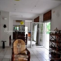 Villa-location-mahajanga-www.mahajanga-immobilier.com4_-500x332-1-250x250.jpg
