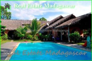 annual-rental-villa-beach-pool-mahajanga-8-500x332.jpg