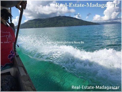 island-nosy-komba-wonderful-villa-beach-2-500x375.jpg