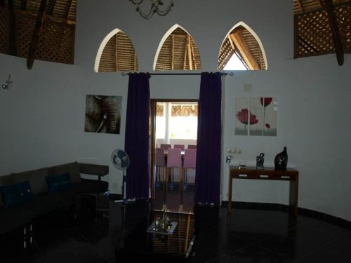 madagascar-mahajanga-sale-villa-four-rooms-swimming-pool-3-500x375.jpg