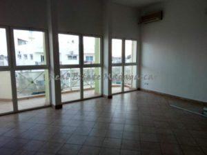 rent-downtown-area-mahajanga-Office-space-400-m²-4305-ft²-5-500x375.jpg