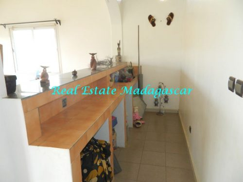 rent-furnished-apartment-harbour-t-diego-suarez-madagascar-14-500x375.jpg
