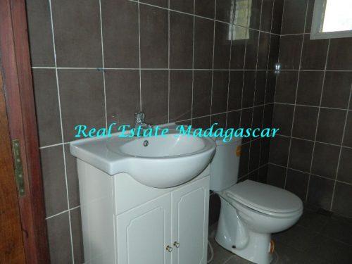 rent-furnished-apartment-harbour-t-diego-suarez-madagascar-7-500x375.jpg