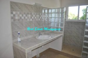 rent-two-bedroom-new-apartments-mahajanga-3-500x332.jpg