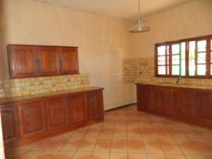 rent-unfurnished-apartment-city-center-diego-suarez-7-500x375.jpg