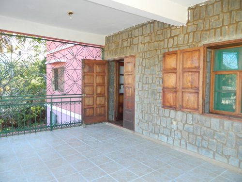 rent-unfurnished-apartment-city-center-diego-suarez-8-500x375.jpg