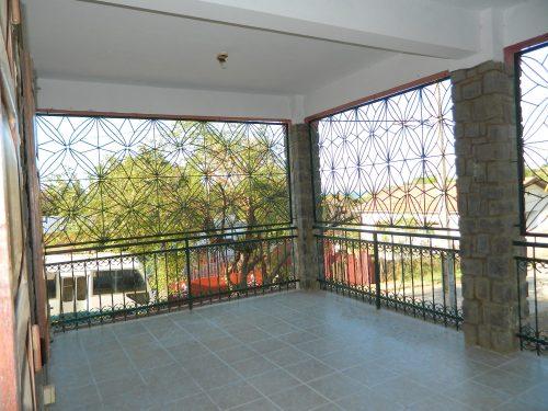 rent-unfurnished-apartment-city-center-diego-suarez-9-500x375.jpg