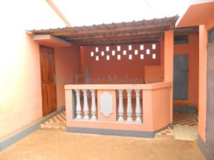 rent-unfurnished-villa-with-three-rooms-10-minutes-downtown-diego-7-500x375.jpg