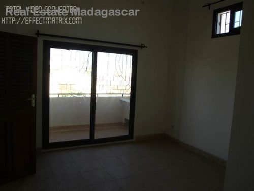 rental-apartment-type-t3-city-center-mahajanga-2-500x375.jpg