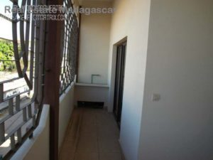 rental-apartment-type-t3-city-center-mahajanga-3-500x375.jpg