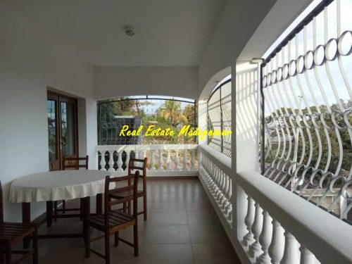rental-duplex-furnished-city-center-mahajanga-sea-view-1-500x375.jpg