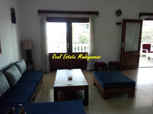 rental-duplex-furnished-city-center-mahajanga-sea-view-3-500x375.jpg
