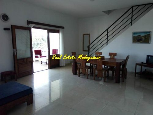 rental-duplex-furnished-city-center-mahajanga-sea-view-7-500x375.jpg