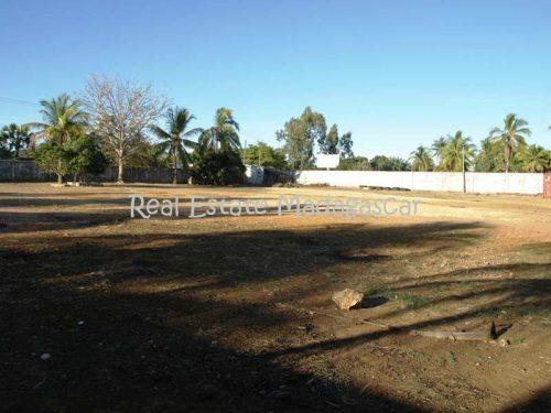 sale-land-600-m²-or-6458-ft²-national-road-4-mahajanga-2-500x375.jpg