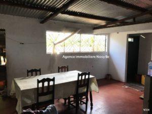 sale-villa-144-m²-1550-ft²-ambatoloka-small-price-6-500x375.jpg