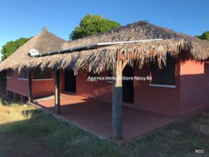 sale-villa-5-mn-ambatoloka-3-mn-beach-white-sand-1-500x375.jpg