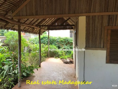 sale-villa-860-ft²-land-area-3229-ft²-ampasindava-nosybe-2-500x375.jpg