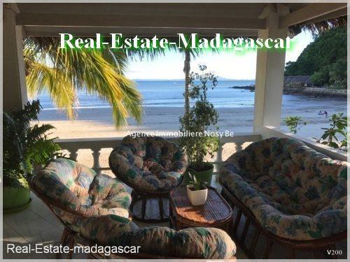 villa-front-beach-madirokely-nosybe--500x375.jpg