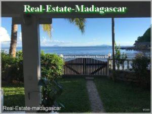 villa-front-beach-madirokely-nosybe-villa-mad-500x375.jpg
