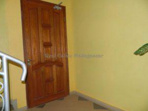 www.real-estate-madagascar.com01-1-500x375.jpg