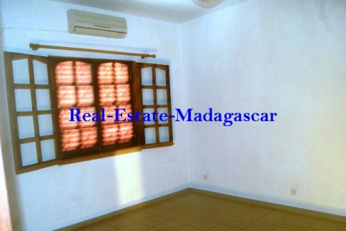 www.real-estate-madagascar.com01-500x334.jpg