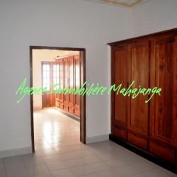 www.real-estate-madagascar.com02-250x250.jpg