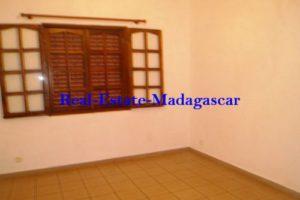 www.real-estate-madagascar.com02-500x334.jpg