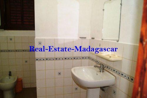 www.real-estate-madagascar.com03-500x334.jpg