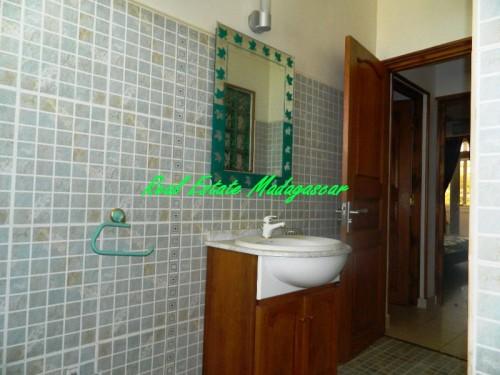 www.real-estate-madagascar.com15-3-500x375.jpg
