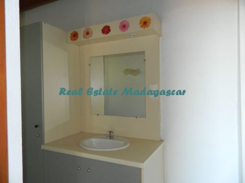 www.real-estate-madagascar.com30-500x375.jpg