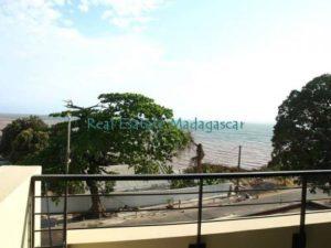 mahajanga-rental-several-apartments-sea-front-with-swimming-pool-1-500x375-300x225.jpg