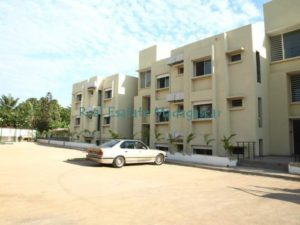 mahajanga-rental-several-apartments-sea-front-with-swimming-pool-2-500x375.jpg