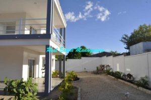 rent-two-bedroom-new-apartments-mahajanga-1-500x332-1-300x199.jpg