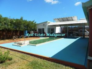 sale-beautiful-villa-new-with-swimming-pool-scama-diego-suarez-1-500x375-300x225.jpg