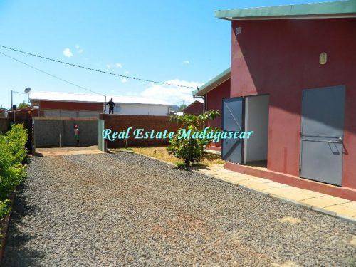 sale-beautiful-villa-new-with-swimming-pool-scama-diego-suarez-13-500x375.jpg