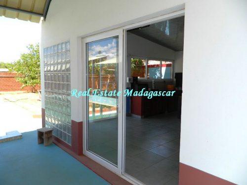 sale-beautiful-villa-new-with-swimming-pool-scama-diego-suarez-19-500x375.jpg