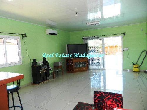 sale-beautiful-villa-new-with-swimming-pool-scama-diego-suarez-3-500x375.jpg