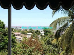 sale-villa-mahajanga-sea-view-close-to-city-center-1-500x375-300x225.jpg