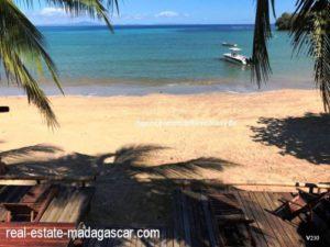 sale-villa-with-guestroom-beach-ambondrona-nosybe-10-500x375.jpg